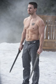 """Arrow -- """"The Climb"""" -- Image AR309b_0105b2 -- Pictured: Stephen Amell as Oliver Queen -- Photo: Cate Cameron/The CW -- © 2014 The CW Network, LLC. All Rights Reserved."""