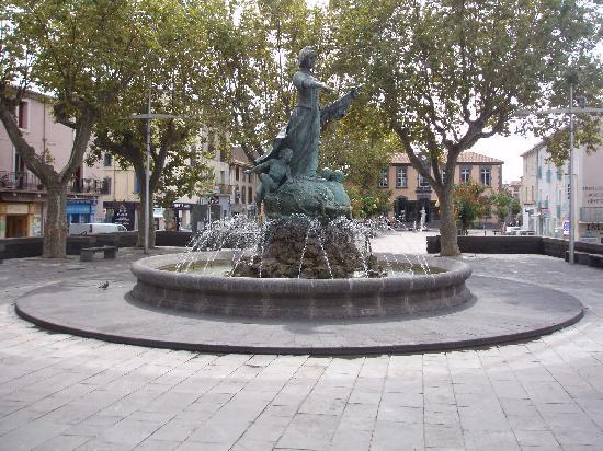 fountain-in-main-square