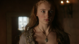 game-of-thrones-1x08-the-pointy-end-sansa-stark-cap